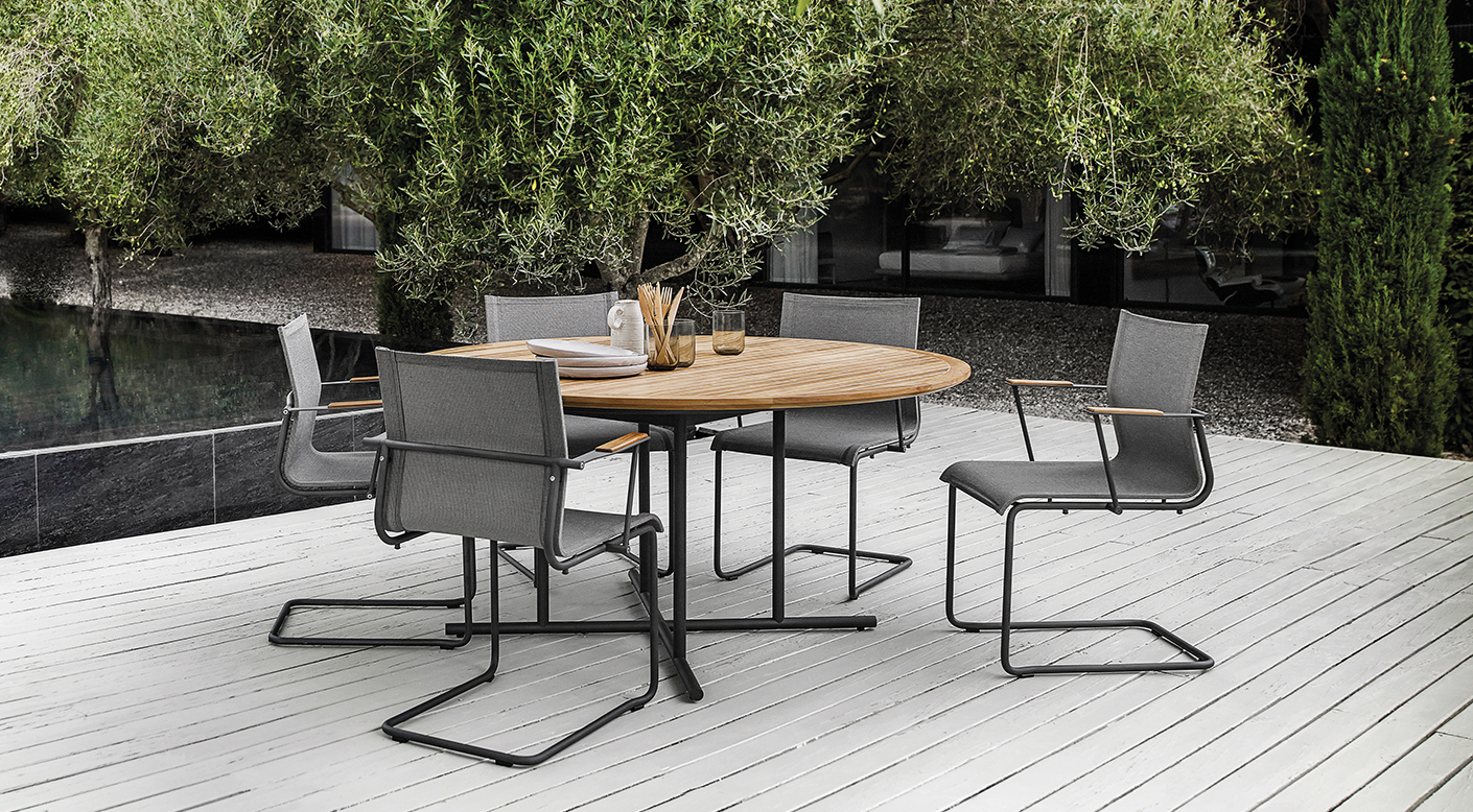 Gloster Sway Dining Set