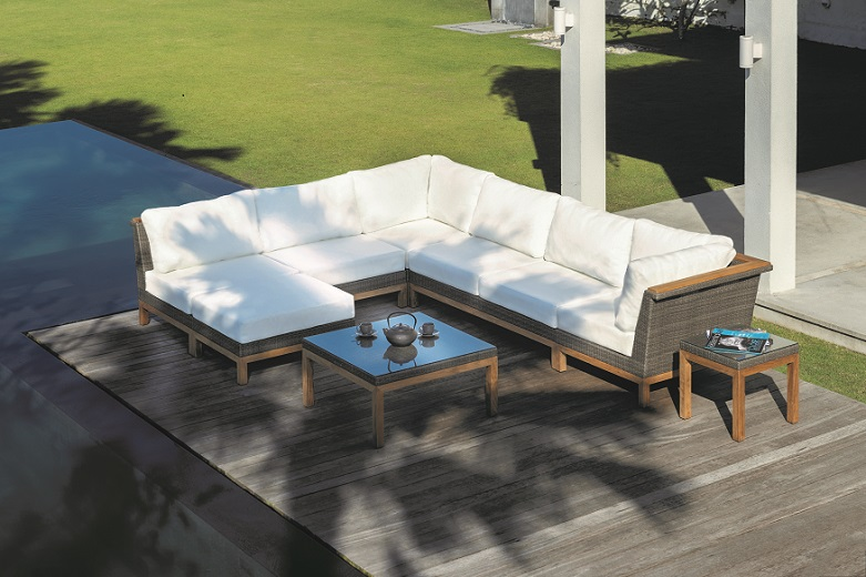 Kingsley Bate Azores Sectional and Coffee Table