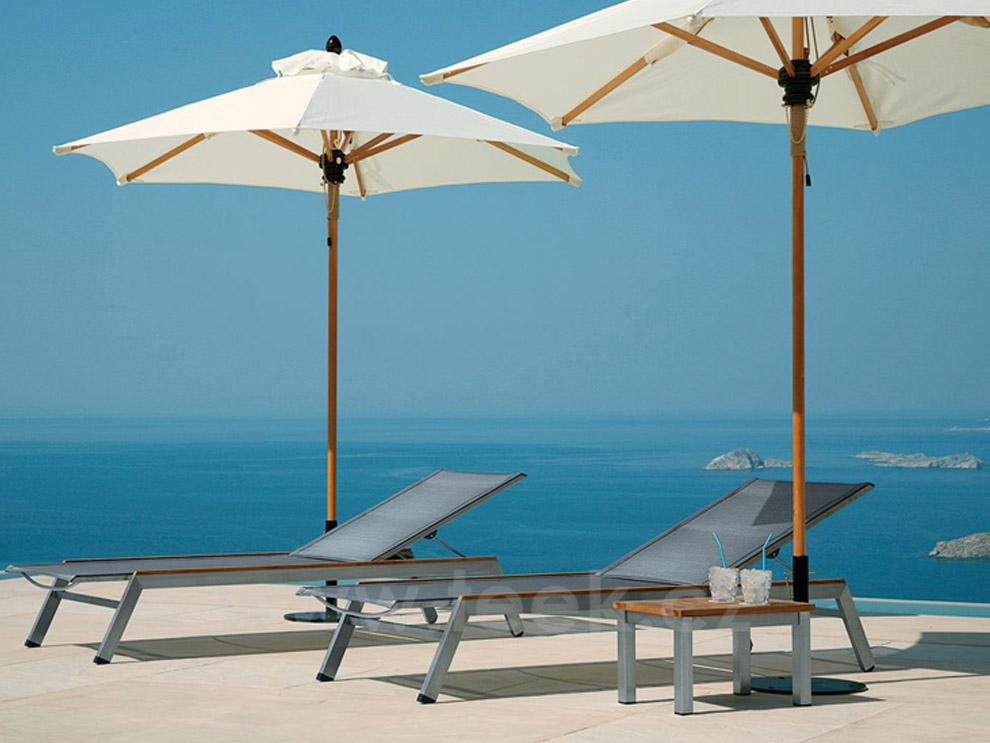 Barlow Tyrie Quattro Chaise and Umbrellas