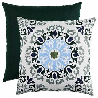 Medallion Indoor/Outdoor Pillow