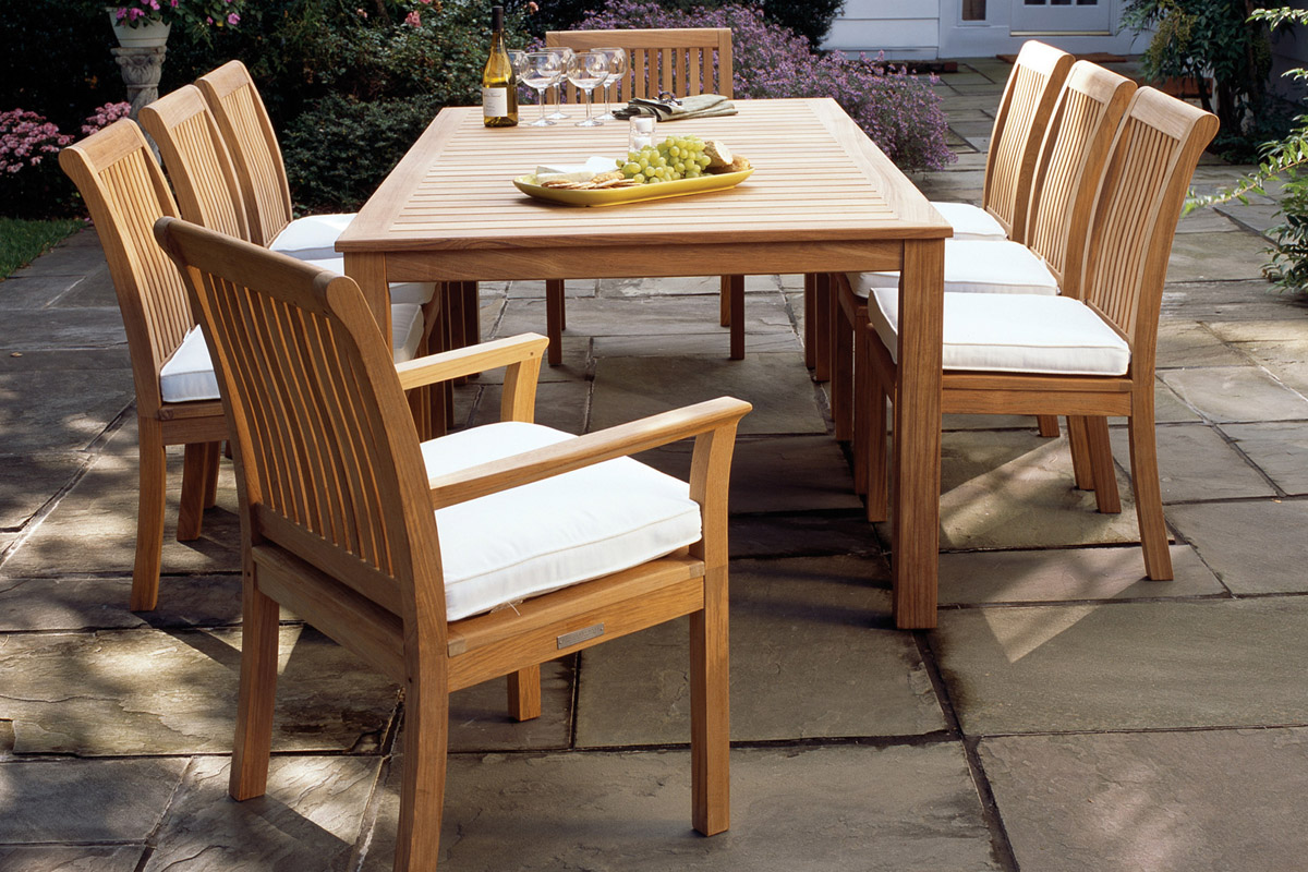 Kingsley Bate Chelsea Dining Table and Chairs
