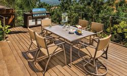 Amari dining set