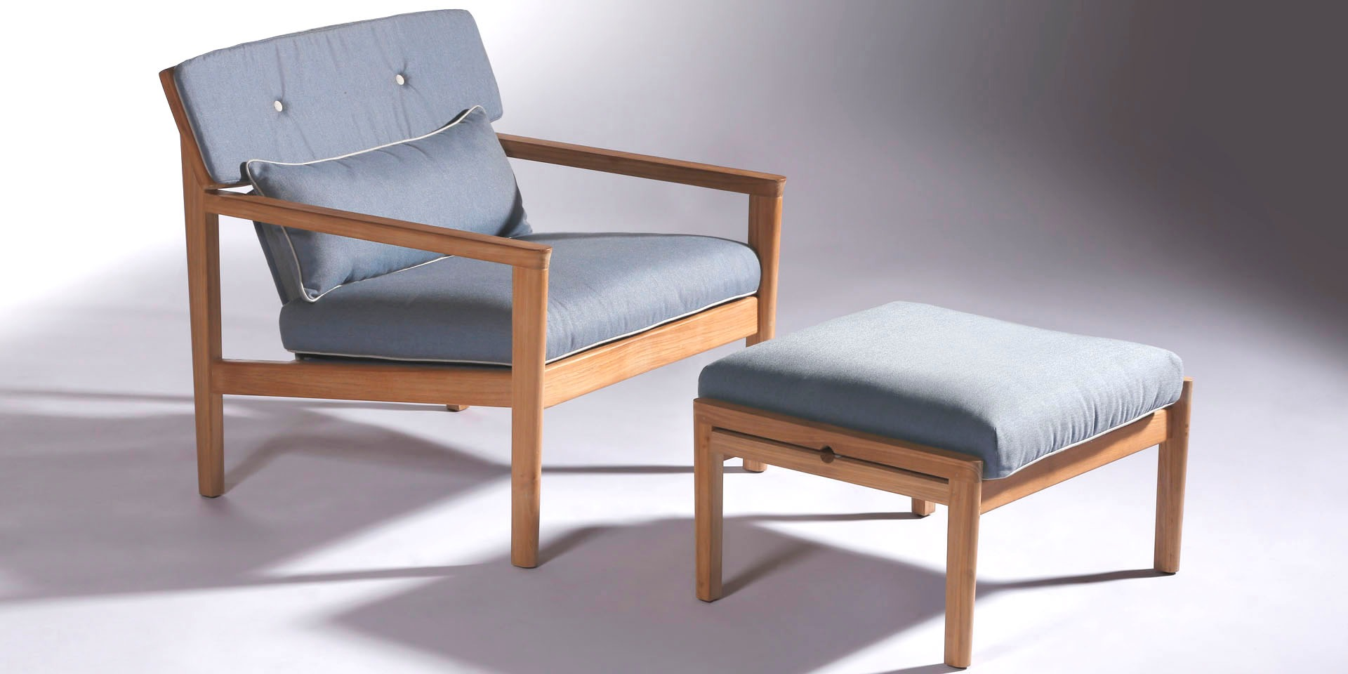 Barlow Tyrie Atom Lounge Chair and Ottoman