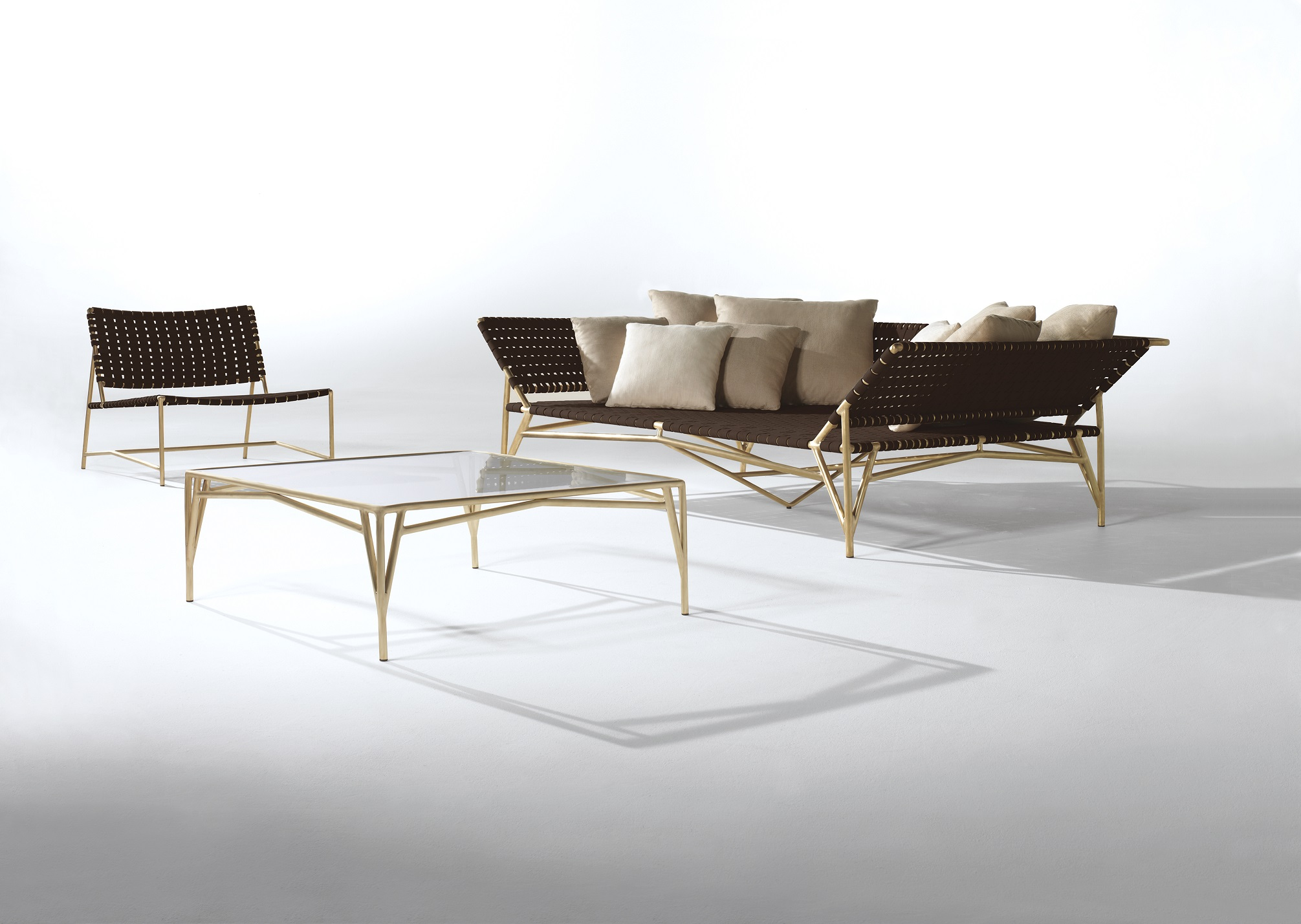 Brown Jordan Stretch Daybed and Lounge Chair and Coffee Table