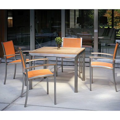 Kingsley Bate Tiburon Dining Set and Table