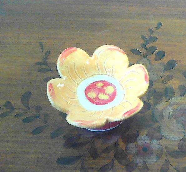 Yellow/Red Flower Dish