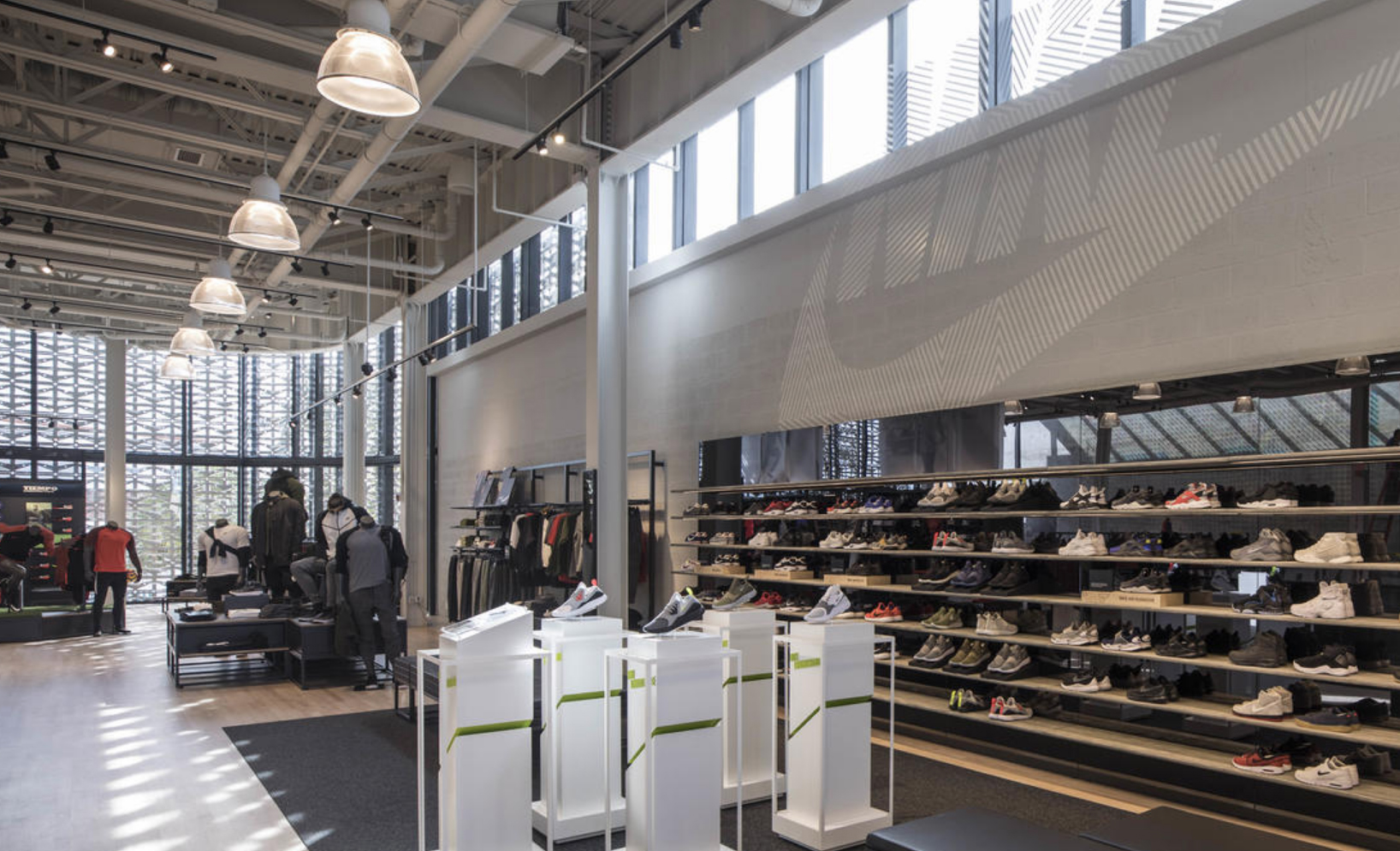 Soportar conducir Irregularidades  Crawford-Tracey | Nike Store Miami South Beach