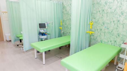 よこすか内科小児科はるこレディースクリニック 処置室