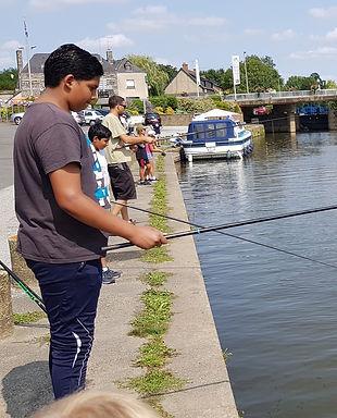 La pêche sur les Quais © Vallons en Bret