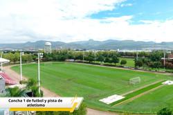 Cancha 1 de futbol y pista de atletismo.
