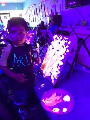 Kids Paint Glow Blacklight Class