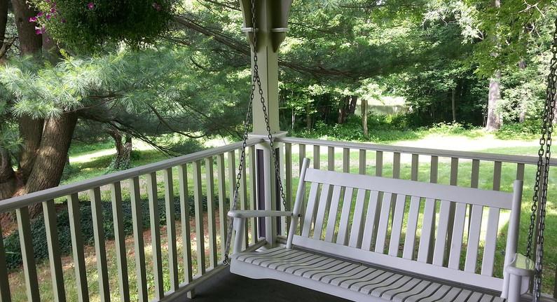 porch-610654_1280.jpg