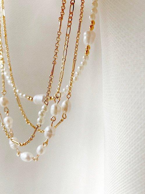 NEW BAROQUE PEARL CHAIN