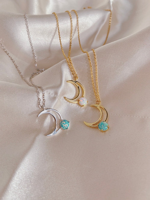 LUNA OPAL NECKLACE