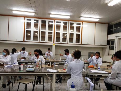 Aula Prática de Bioquímica.