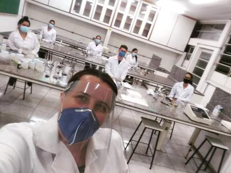 Biomedicina UniPinhal retorna às aulas práticas presenciais.