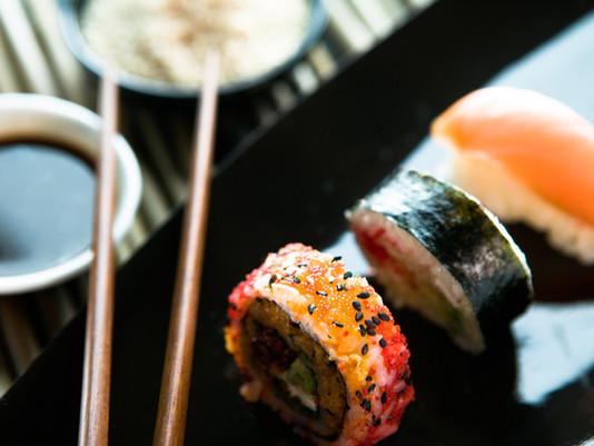 Curitiba | Cupons para 7 rodízios com sushis para você jantar.
