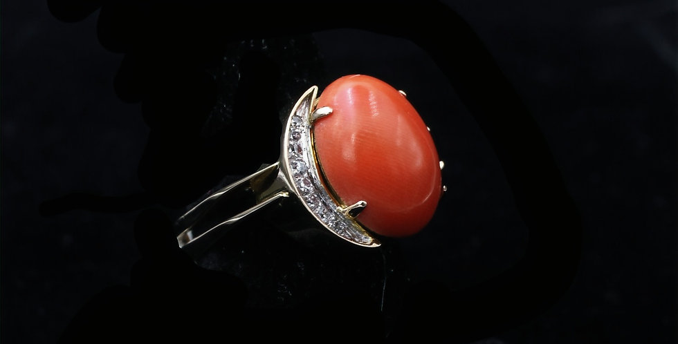14K Yellow Gold Vintage Coral and Diamond Ring
