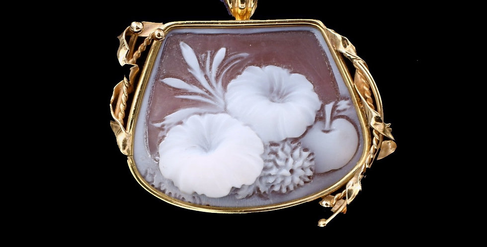 18K Yellow Gold Cameo Pendant or Brooch