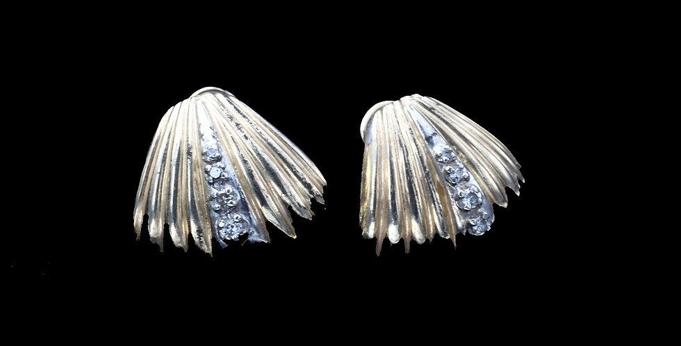 14K Shell Design Diamond Earrings