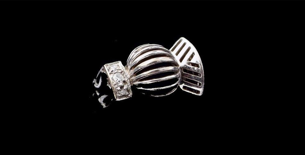 14K White Gold Vintage Diamond Accent Ring