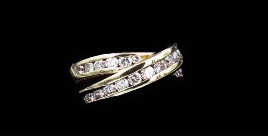 14K Yellow gold 1.04 Carat Total Weight Diamond Ring