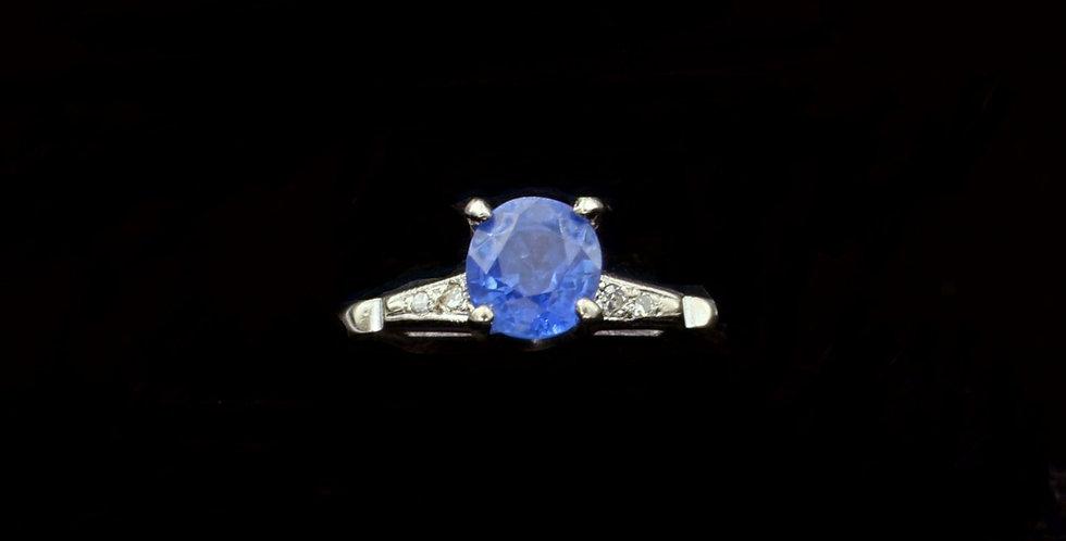 14K Vintage 1.52 carat Sapphire & .04 Diamond Ring