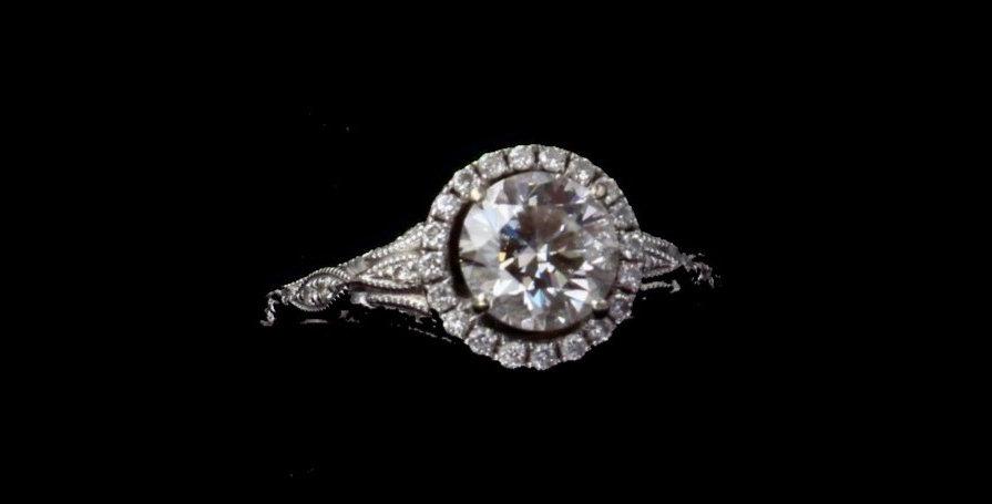 14K White Gold 1.05 Carat Center Diamond Ring