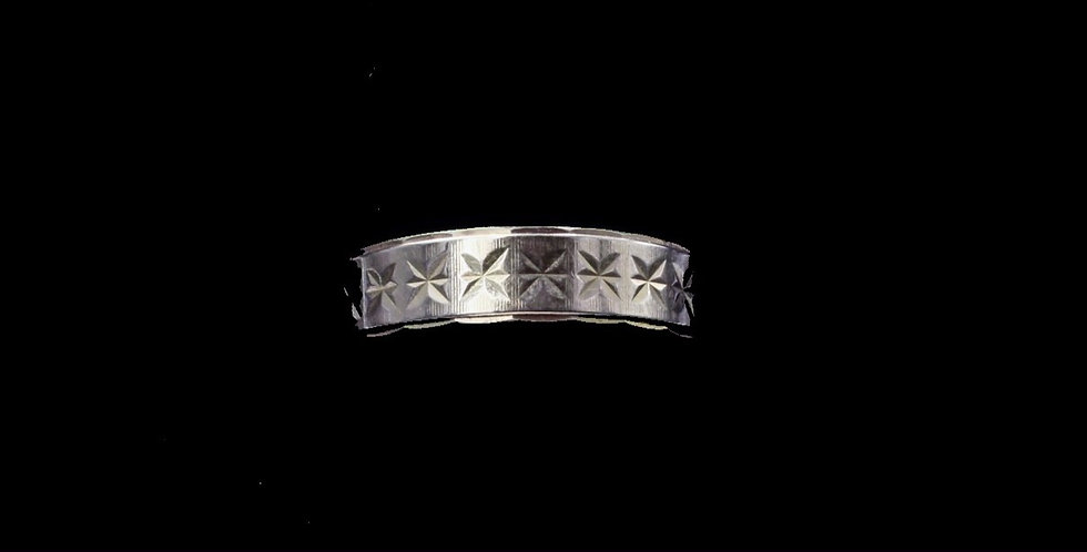 18K Yellow Gold Star Engraved Band