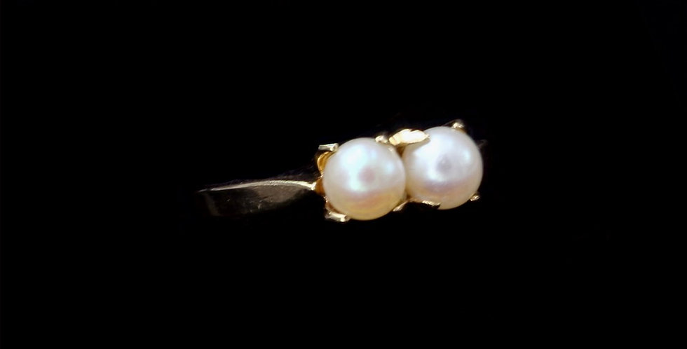 14K Yellow Gold Vintage Double Pearl Ring