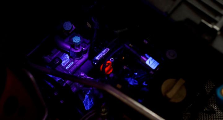 Emulsja SelectaDNA w świetle UV