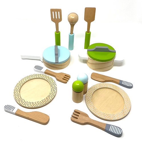 Childrens wooden cookware set