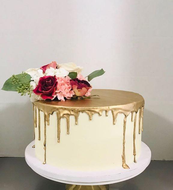 Gold drop cake! #buttercream #ganache #g