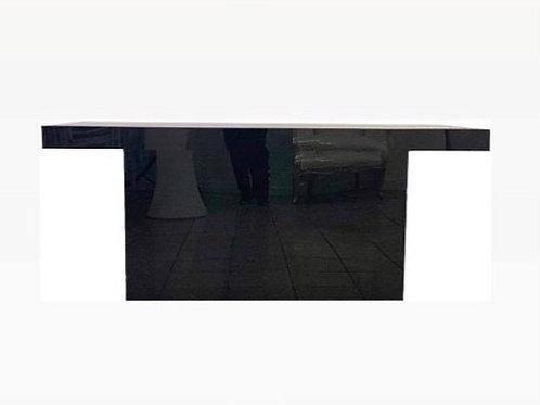 Black sweetheart table