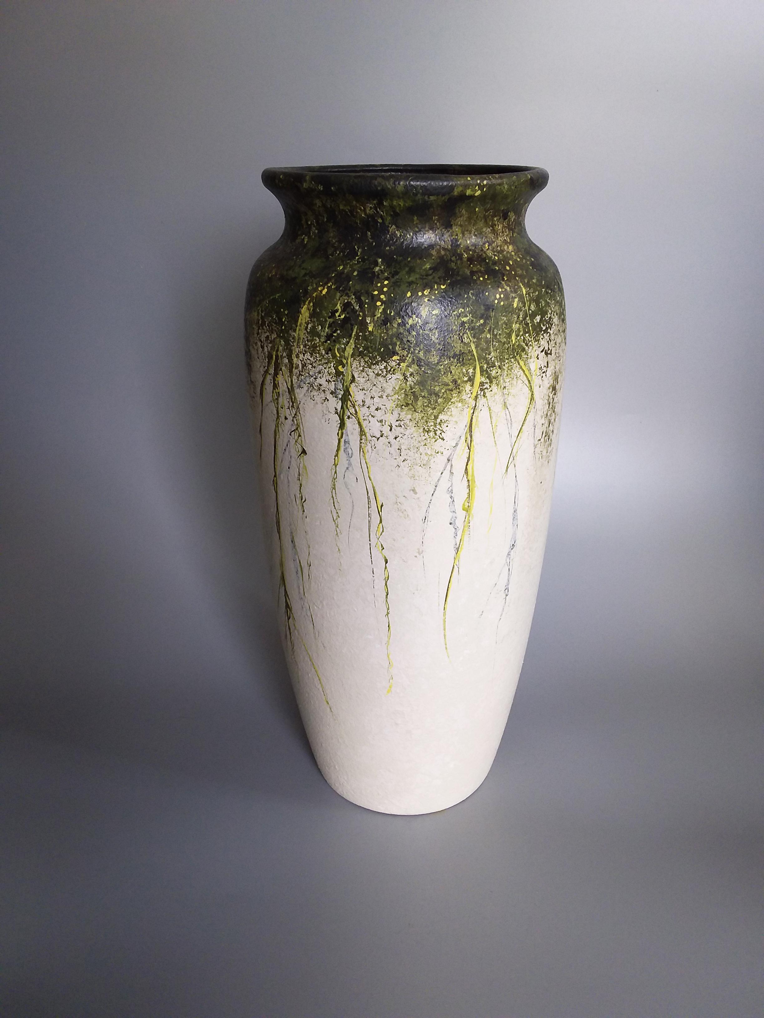 Green Tendrils Vase