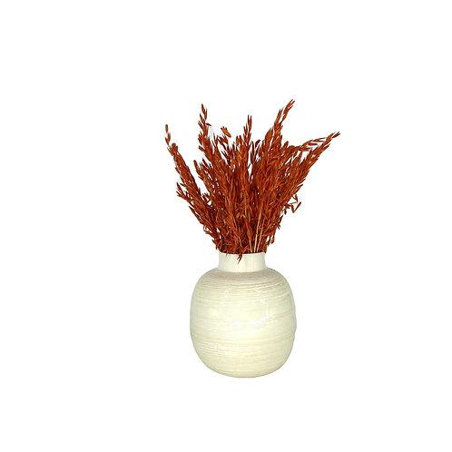 Wit/zalmkleurige vaas incl. droogbloemen