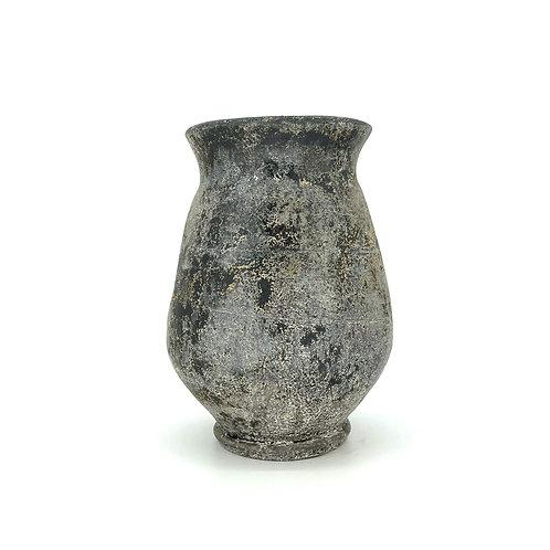 Zware stenen vaas/pot voor grote planten.
