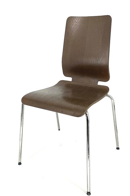 Strakke houten stoel met RVS pootjes