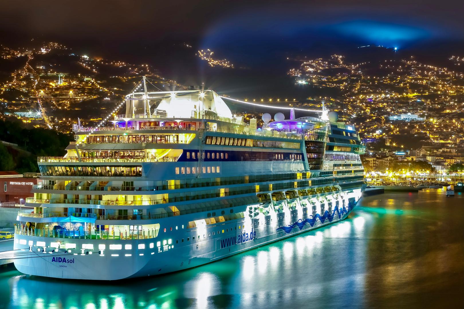 AidaSol - Genova 00:00am Port Of Funchal