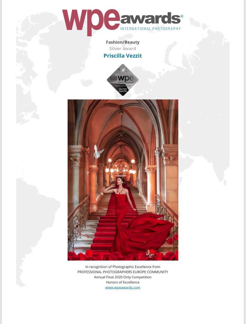 Lady In Red - Wpe - International Photography Awards