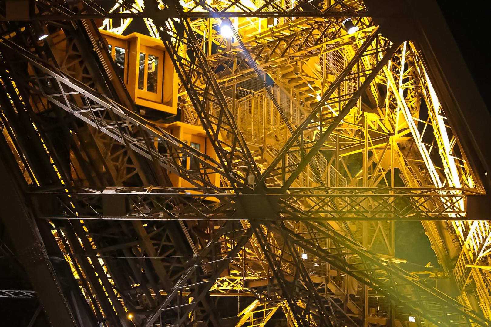 Ascensor Tour Eiffel- Paris