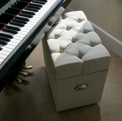 Deep buttoned piano stool, storage