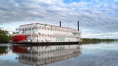 American Queen steaming on March 15, 2021