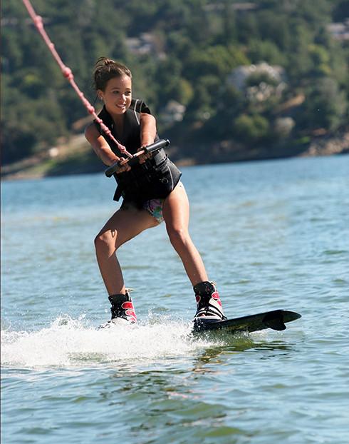 Girl Wakeboard