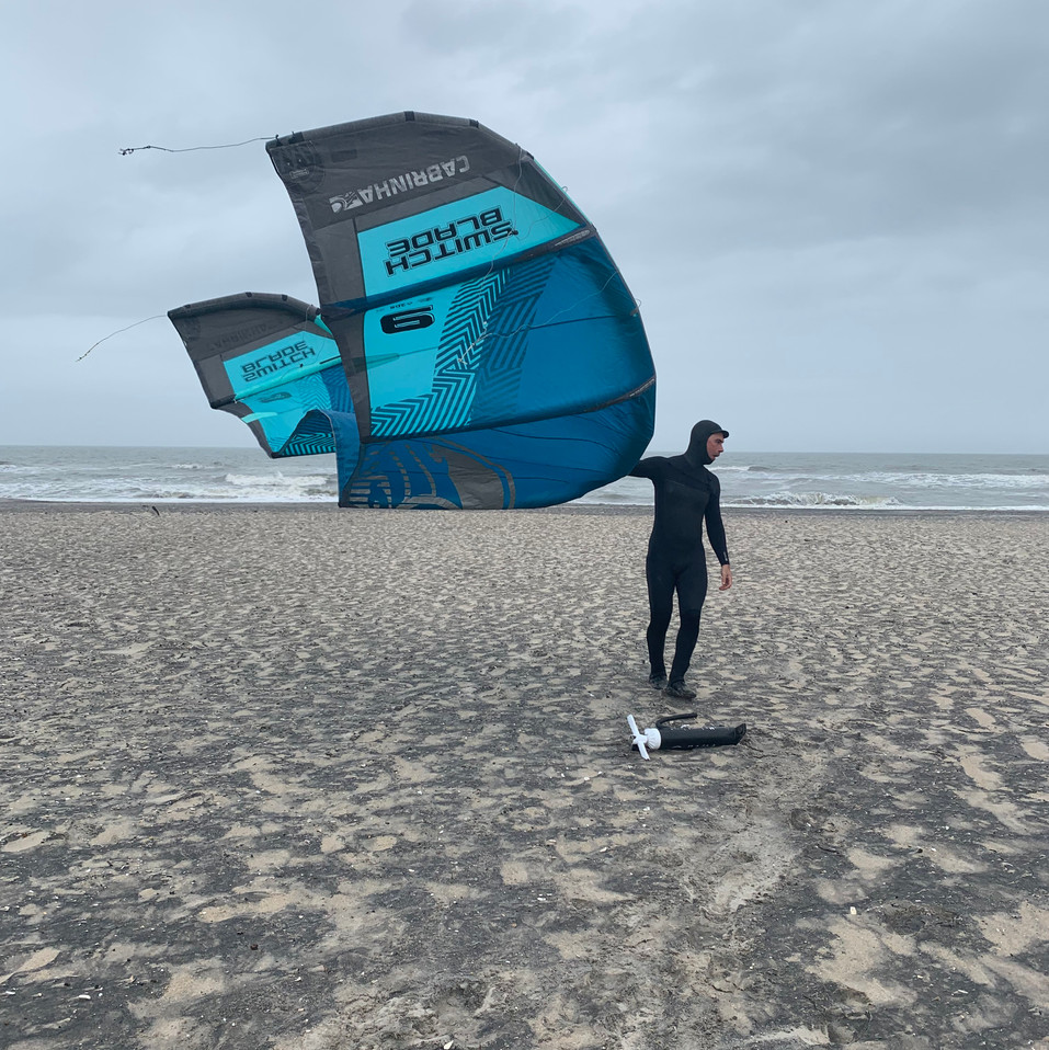 2019-04-19 Chris Kitesurfing in Assateague