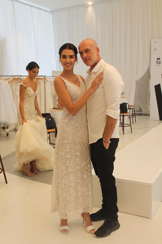 מוטי רייף מפיק תצוגות אופנה יחד עם מלכת היופי רותם רבי. צילום: אושרת אביחצירה פרזם