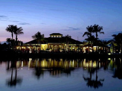 Night view of the clubhouse