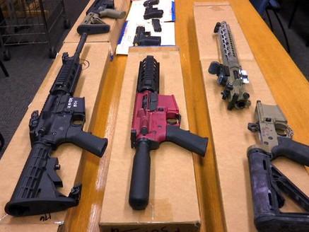 Incautan en EU armas en sofá, venían a México