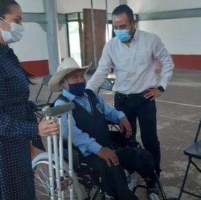 Habitantes de Temascaltepec reciben apoyos funcionales por más de 700 mil pesos