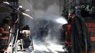 Incendio en fábrica de colchones en Ecatepec; no hay lesionados